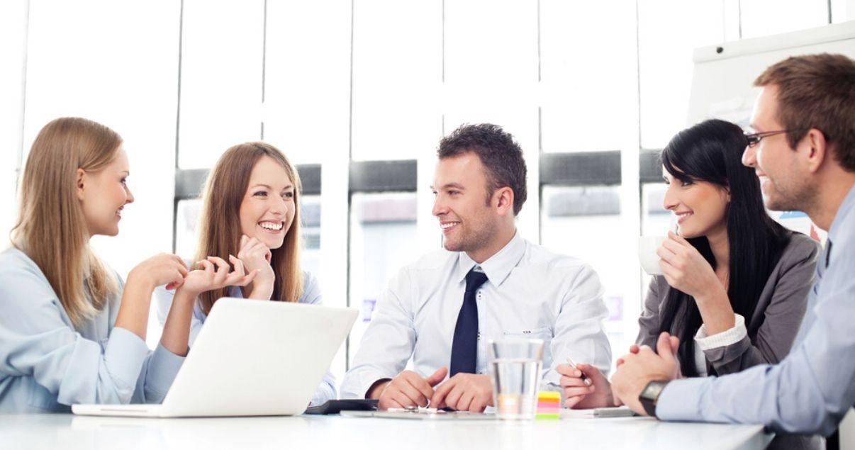Reunion de empleados y ejecutivos de empresas sobre cursos de inglés para empresas de Wall Street English